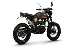 Bullit-Hero-125-Black-Gulf-Limited-Edition-back